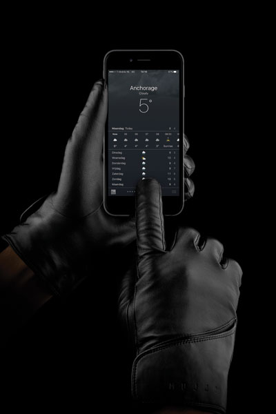 MUJJO – Leather Touchscreen Gloves – Venlo, The Netherlands