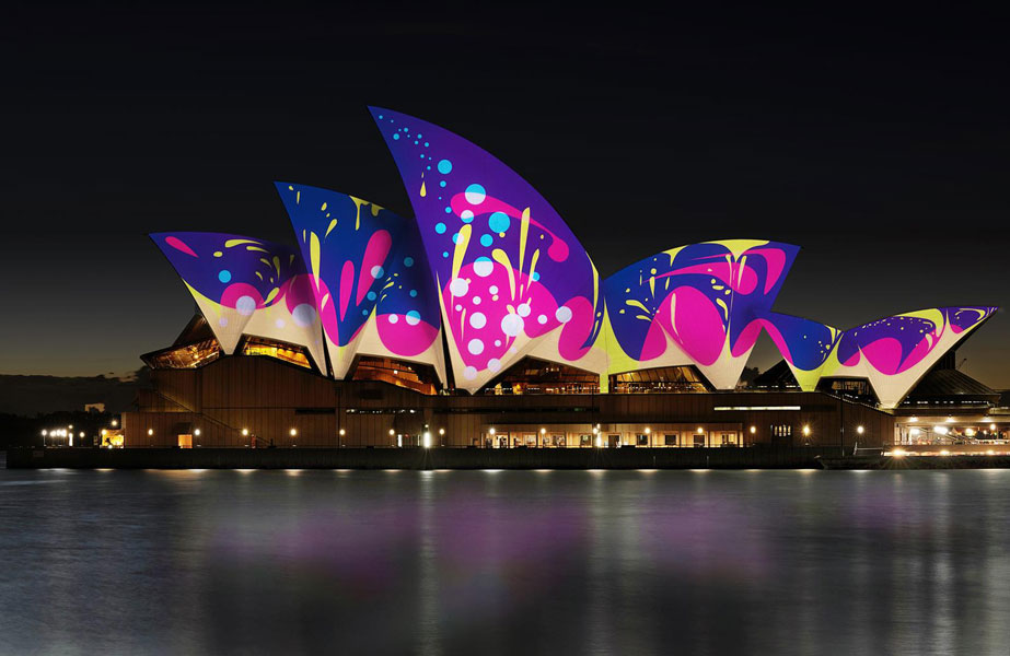 A living mural on Sydney Opera House by Universal Everything – Sydney